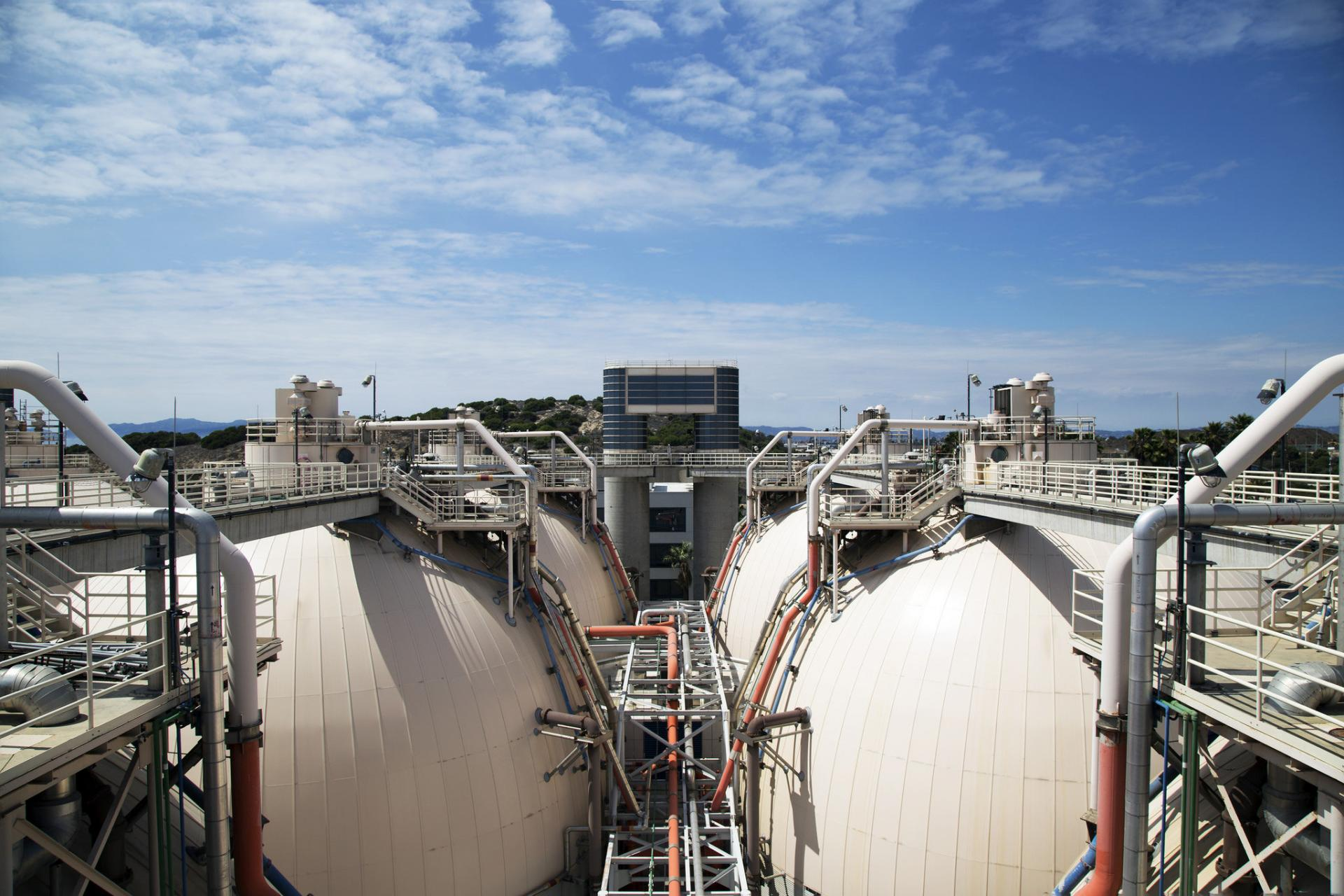 egg shaped digesters at the hyperion treatment plant